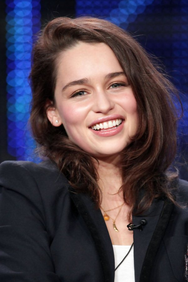 Прически Эмилии Кларк :: фотообзор :: Эмилия Кларк (Emilia ... Игра Престолов Джон Сноу