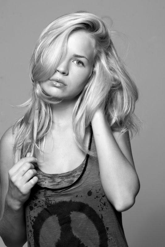 Бриттани Робертсон (Brittany Robertson)