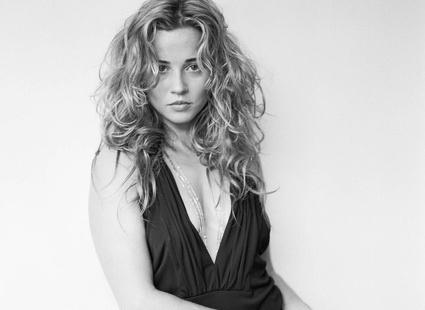 Линда Карделлини (Linda Cardellini)