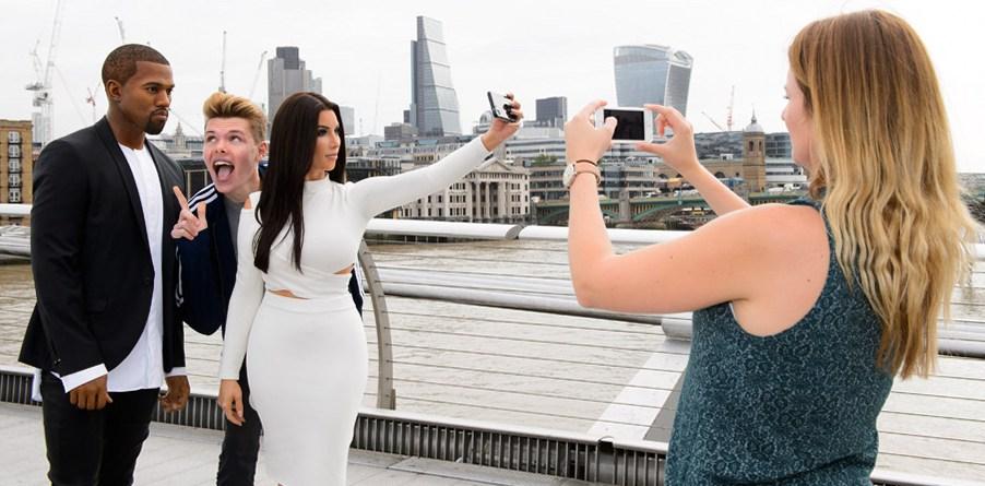 Восковые копии Канье Уэста и Ким Кардашьян в музее мадам Тюссо в Лондоне