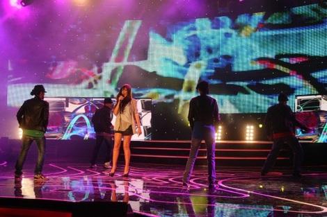 Иви Адаму на сцене