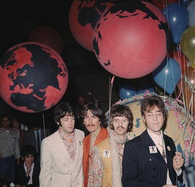 The Beatles на вечеринке в студии EMI, 1967 год