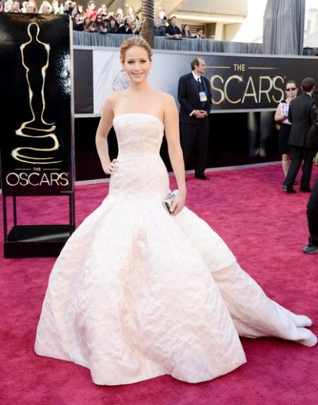 Лучшие платья звезд на вручении премии «Оскар 2013»