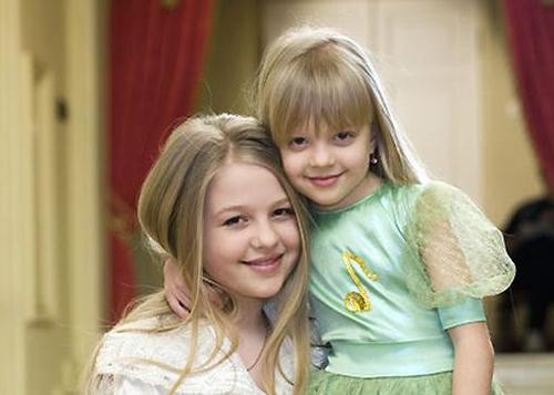 Родители Анастасии и Виктории Петрик