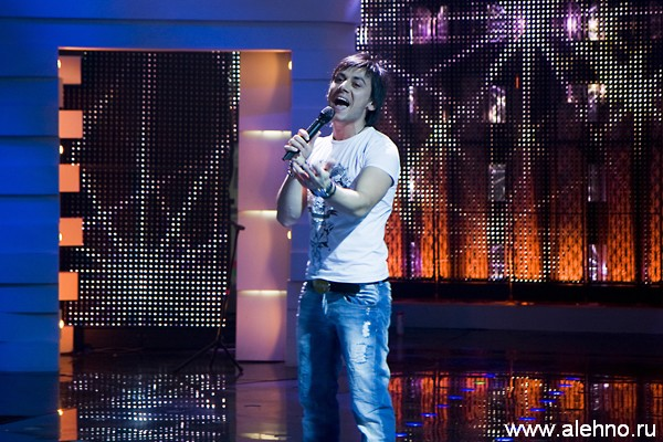 Руслан Алехно на сцене