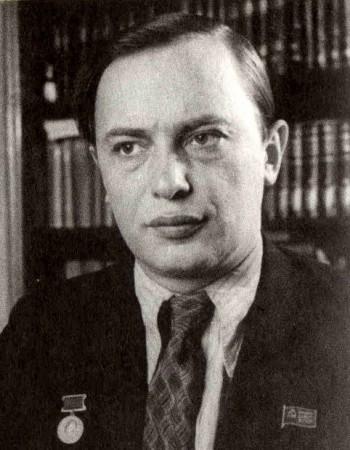 Аркадий Кулешов