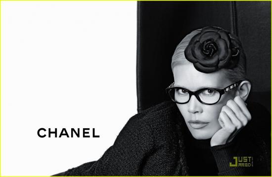 Клаудиа Шиффер для очков от Chanel