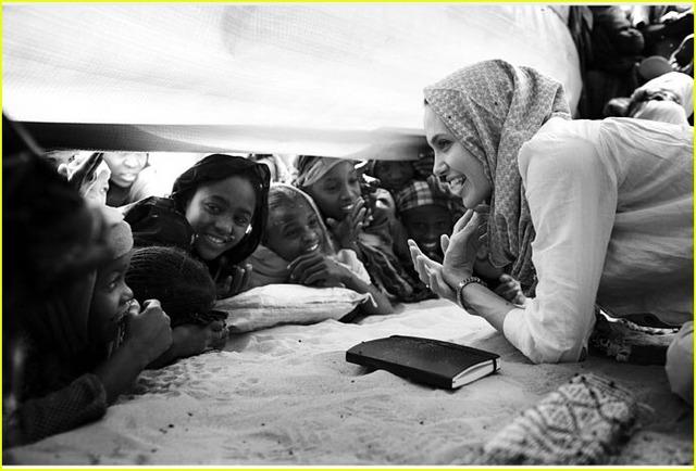 Анжелина Джоли. Республика Чад