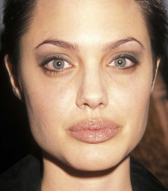 Макияж звезды: Анджелина Джоли