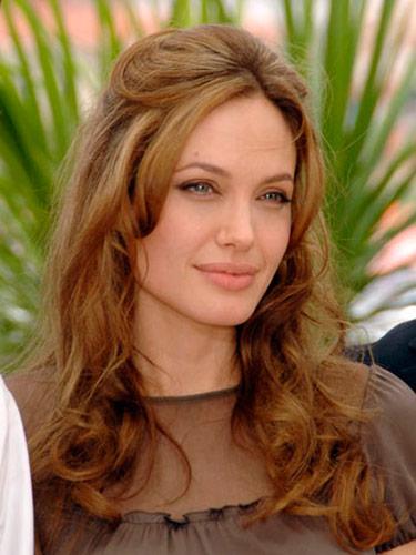 Эволюция прически Анджелины Джоли