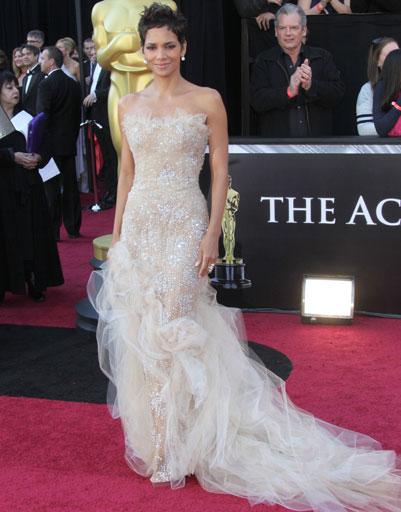 Лучшие платья звезд 2011 года