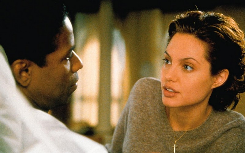 10 лучших ролей Анджелины Джоли