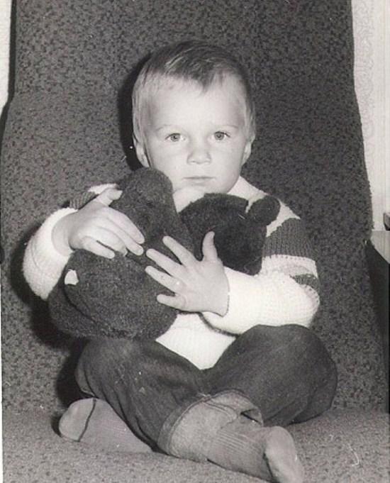 Андрей Искорнев в детстве и юности