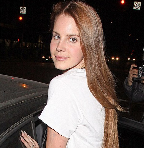 Lana del rey no makeup