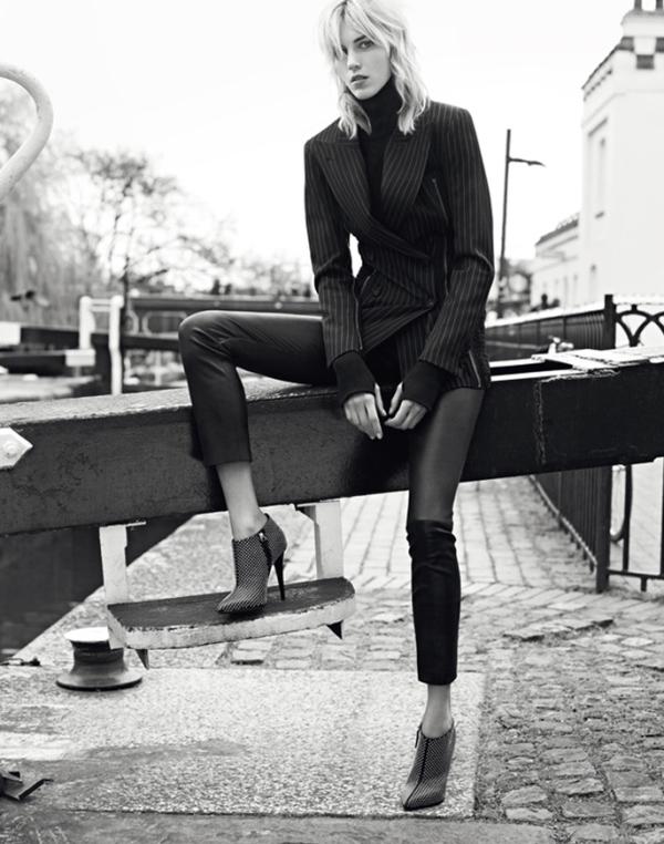 Аня Рубик в рекламной кампании Giuseppe Zanotti