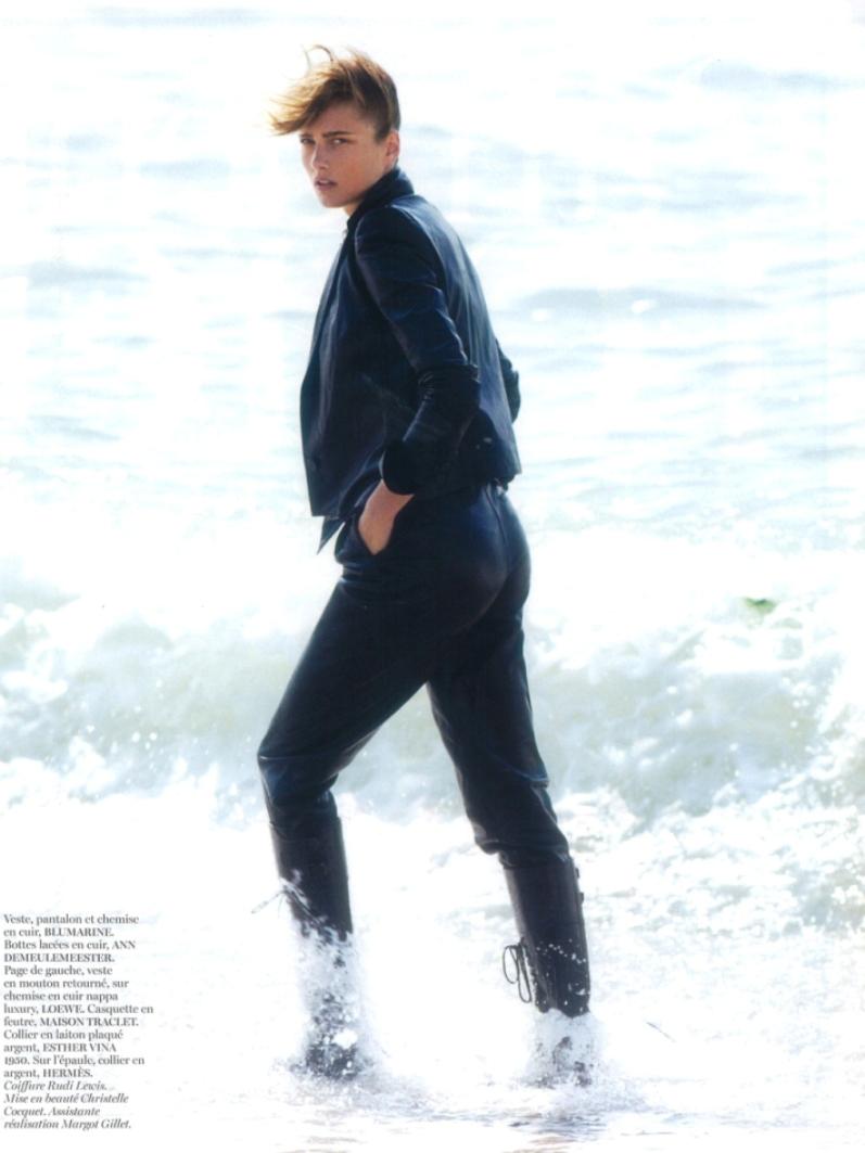 Кармен Педару для журнала VOGUE Paris, август 2013