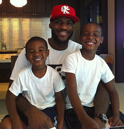 Дети Леброна Джеймса :: фотообзор :: Леброн Джеймс (LeBron ...: http://lichnosti.net/pset_8482.html