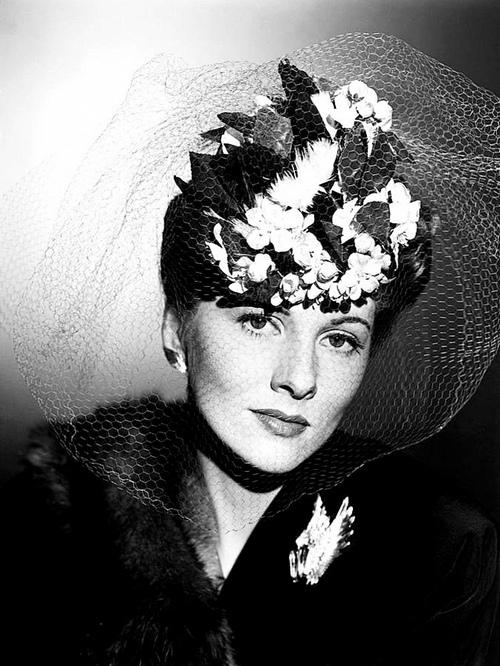 Джоан Фонтейн (Joan Fontaine)