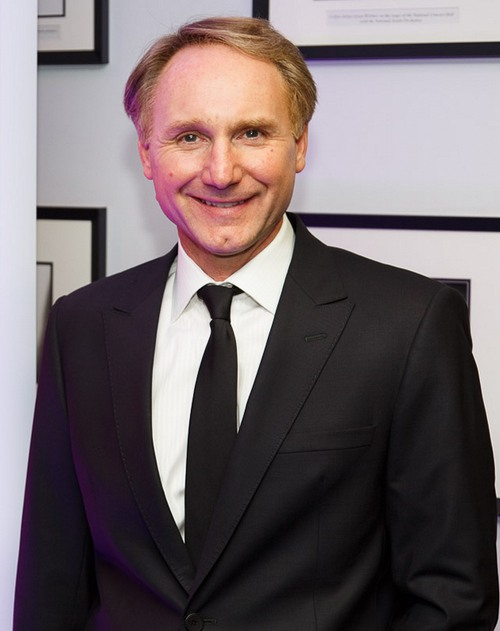 dan brown biography Dan brown is credited as author and novelist, the da vinci code, angels & demons dan brown (born june 22, 1964) is an american author of thriller fiction, best known for the 2003 bestselling novel, the da vinci code.