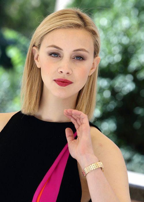 Сара Гадон (Sarah Gadon)