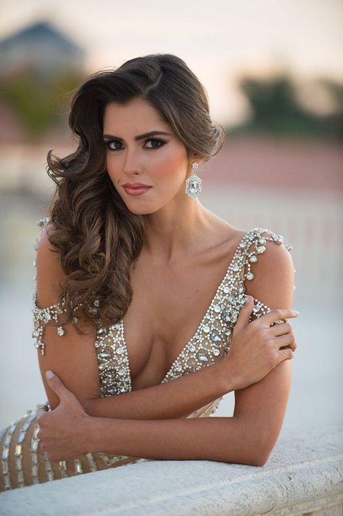Паулина Вега (Paulina Vega)