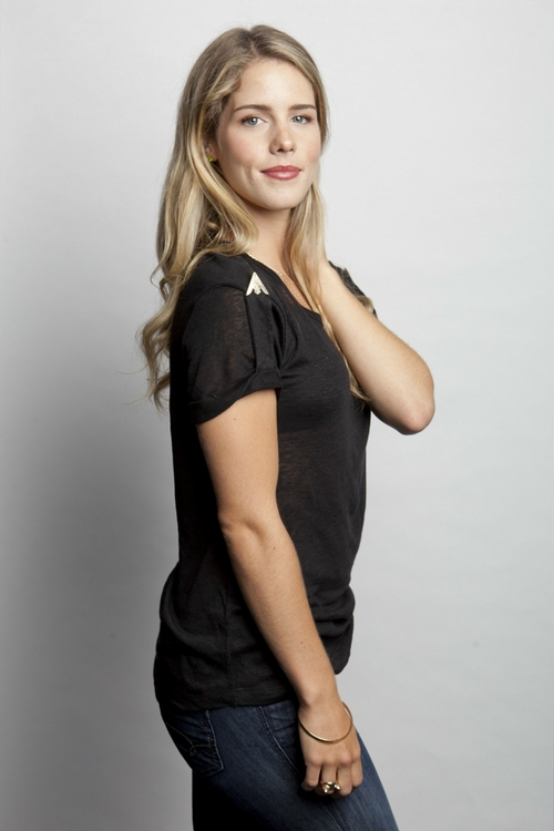 Эмили Бетт Рикардс (Emily Bett Rickards)