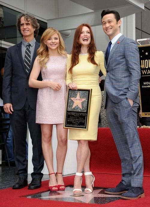 Звезда Джулианны Мур на Аллее славы в Голливуде