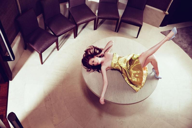 Джулианна Мур в фотосессии для ELLE Magazine