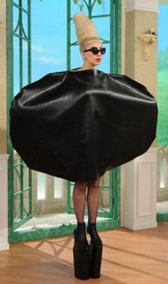 Топ 14 худших маленьких черных платьев звезд