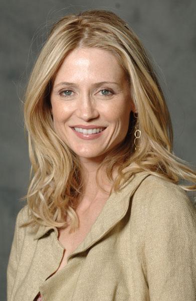 Келли Роуэн (Kelly Rowan)