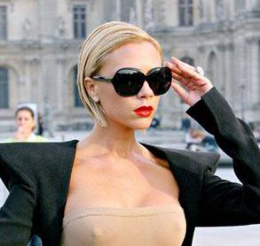 Виктория Бекхэм и ее солнцезащитные очки