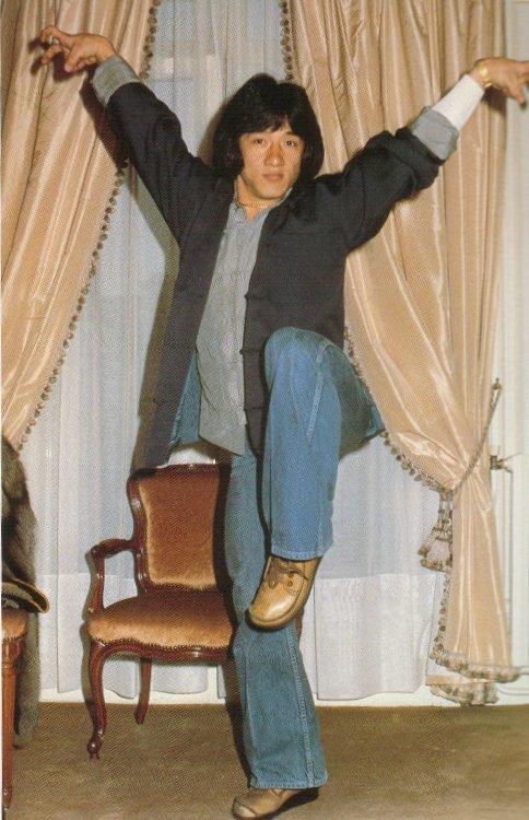 джеки чан в молодости фото