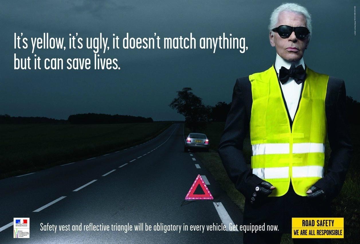 Карл Лагерфельд в рекламе светоотражающего жилета