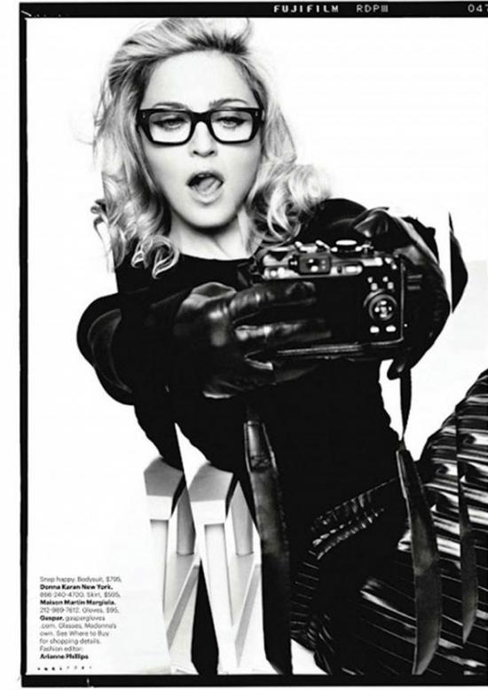 Фотоаппараты в руках знаменитостей