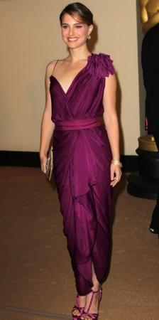 Натали Портман в платьях