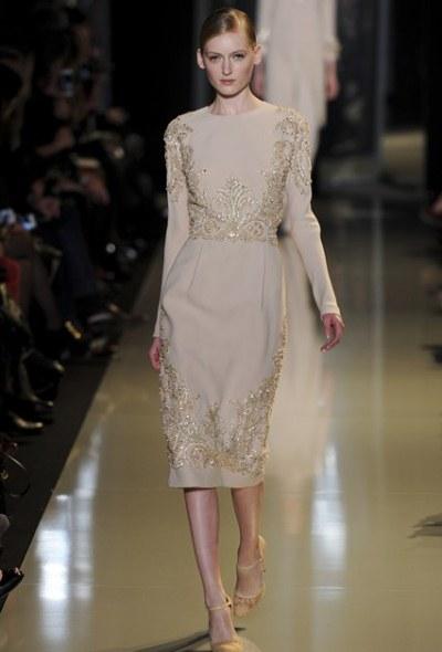 Elie-Saab. Бежевое платье - главный модный помощник сезона