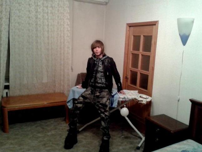 Сергей Зверев показал свою квартиру