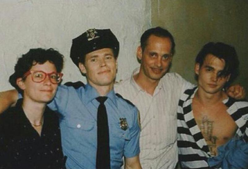 """Уиллем Дефо, Джон Уотерс и Джонни Депп на съемках фильма """"Плакса"""", 1989 год"""