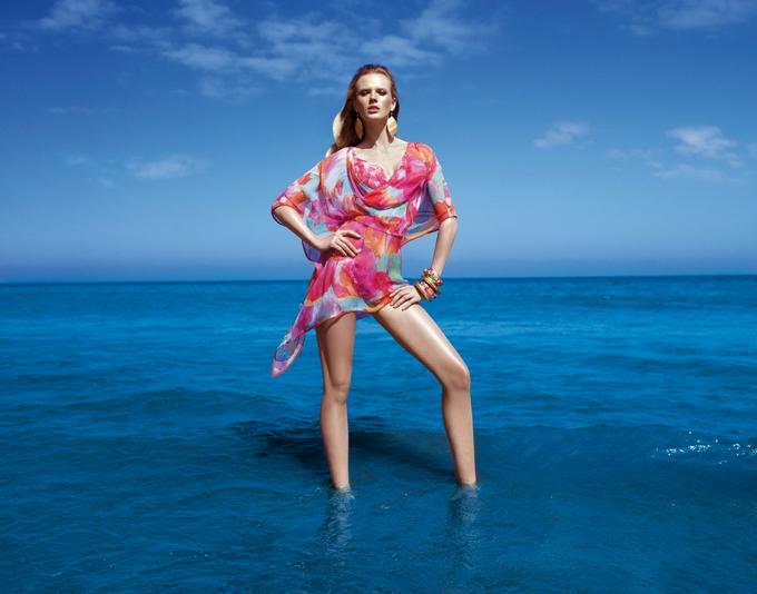 Анна Вьялицына в купальниках Gottex
