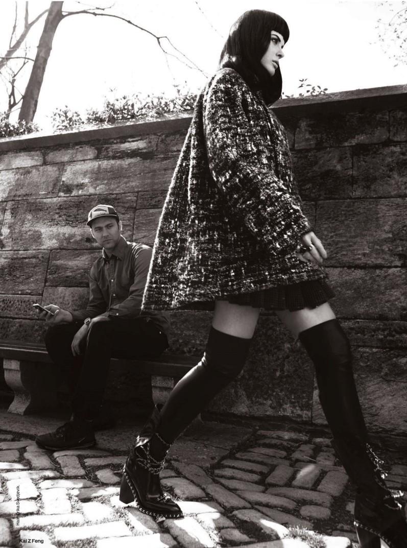 Анна Вьялицына в августовском выпуске Elle UK