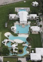 Селин Дион выстроила гигантский аквапарк для своих детей