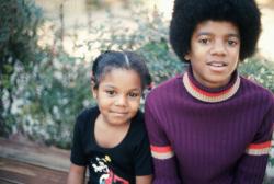 Джанет и Майкл Джексон в детстве