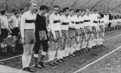 Валерий Лобановский в составе Динамо Киев перед игрой с московским Спартаком, 10 апреля 1963 года