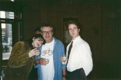 "Кортни Лав, Милош Форман и Эдвард Нортон во время съемок фильма ""Народ против Ларри Флинта"", 1996 год"