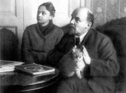 Ленин с кошкой, 1920 год