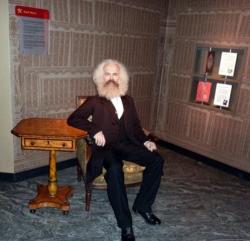 Карл Маркс в музее мадам Тюссо в Берлине