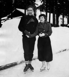 Уолт Дисней с женой, 1935 год