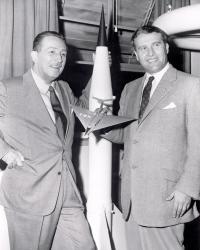 Вернер фон Браун и Уолт Дисней, 1955 год