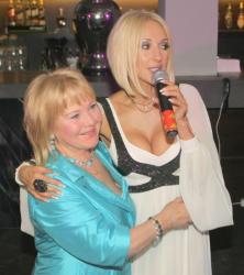 Лера Кудрявцева с мамой