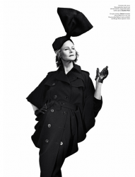 Шарлотта Рэмплинг в V Magazine